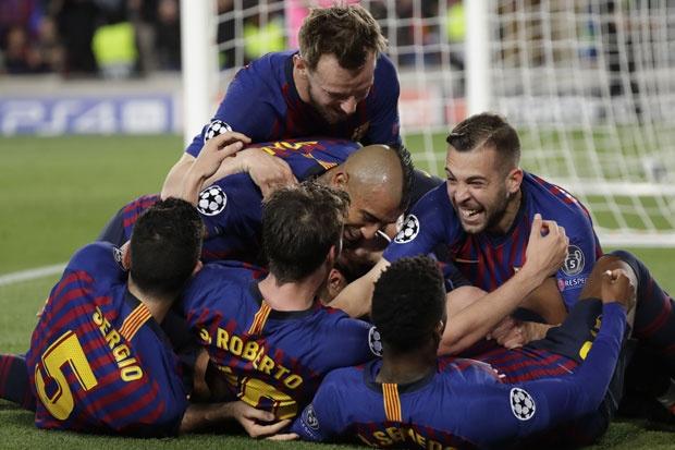 Поради протести, фудбалер на Барселона во мали проблеми