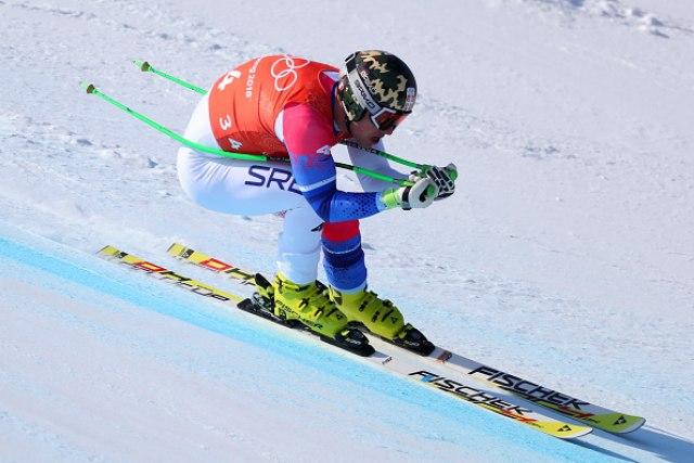 Српски скијач тешко се повреди на тренинг во Швајцарија