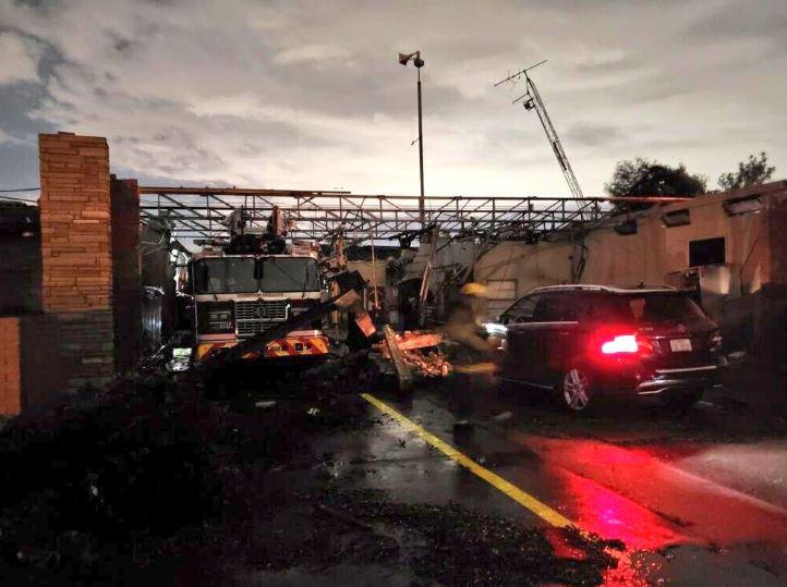 Силно невреме во САД: Најмалку 4 загинати, торнадо разурна домови (ВИДЕО)