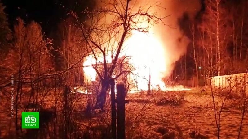 Три мали деца меѓу загинатите во пожар во близина на Санкт Петерсбург (ВИДЕО)