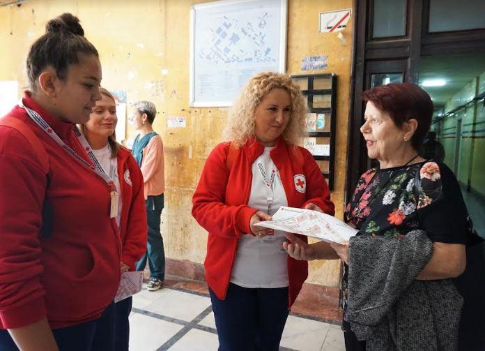 Волонтери – водичи ќе ги упатуваат пациентите полесно да се снајдат во Клиничкиот центар