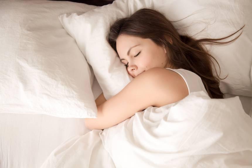На жените им треба повеќе сон, оти го користат мозокот повеќе од мажите