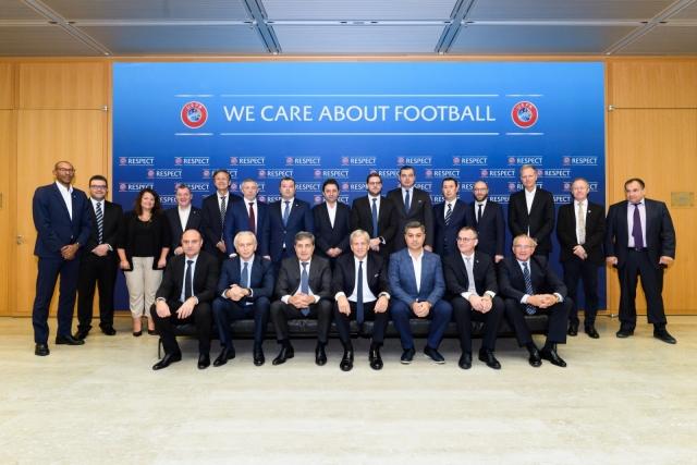 """Претседателот на ФФМ """"се бутна"""" во комисијата на УЕФА со најмногу пари!"""