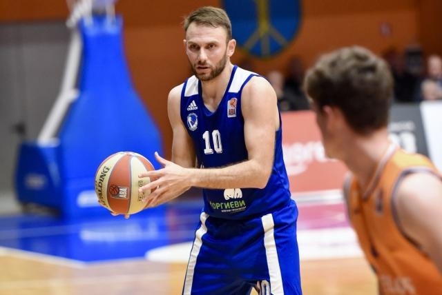Репрезентативецот Симоновски повеќе не е кошаркар на МЗТ Скопје!