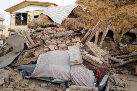 Силен земјотрес во Иран: Бројот на повредени и загинати лица порасна на 520