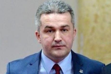 Скандал го тресе регионот: Босански политичар се најде на страница за возрасни