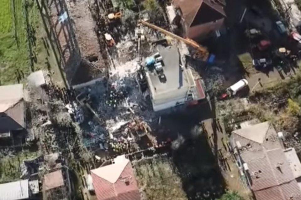 Снимка од дрон на која се гледа катастрофата во Албанија