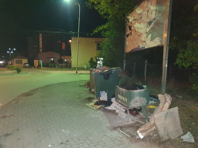 Кичево личи на голема депонија- градот задушен во ѓубре и смрдеа, властите мува не ги лази (ФОТО)