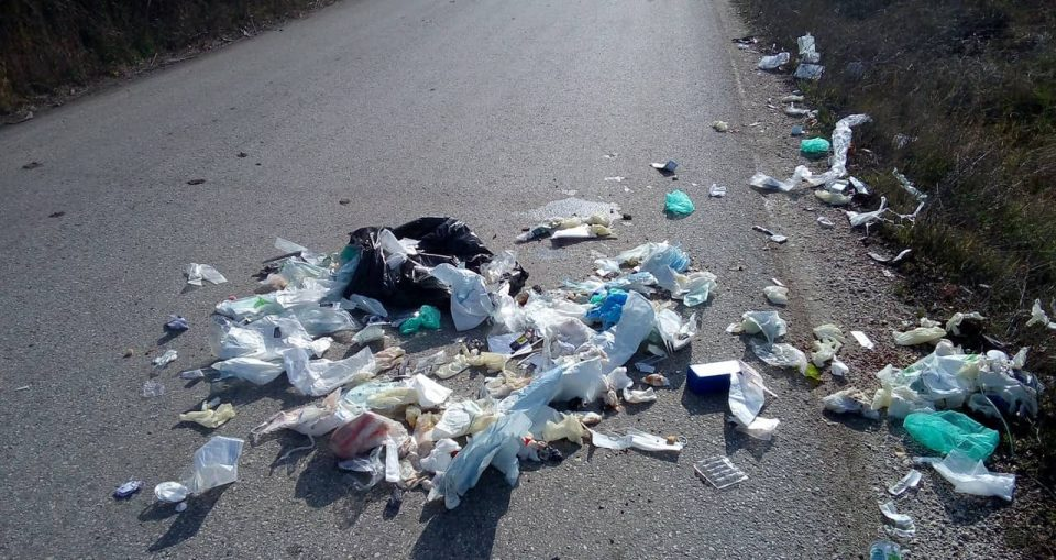 Петрушевски: Медицинскиот отпад расфрлан, вака ли власта во Куманово се грижи за животната средина
