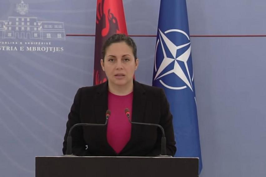 Министерката за одбрана со солзи во очите: Ова е мојот најтежок говор