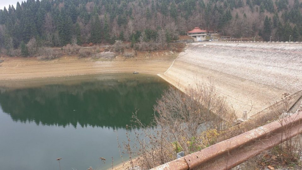 Исчезнува Мавровското Езеро (ФОТО)