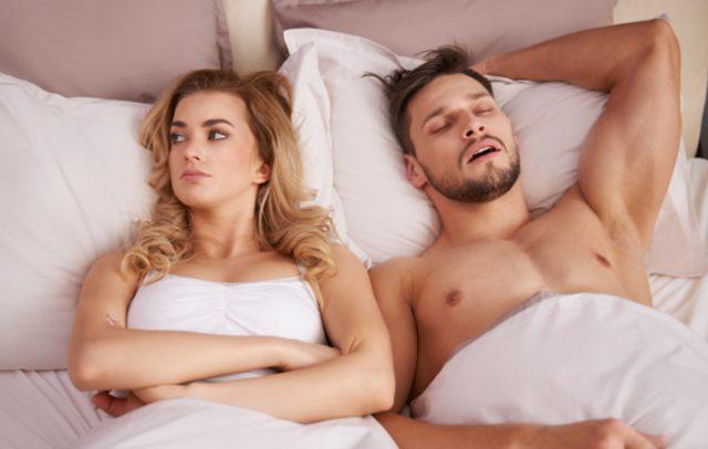 Препознајте дали мажите Ви ја глумат љубовта, па дури и во сексот