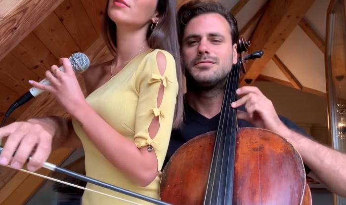 Поранешниот на Розга со мистериозната убавица ја изведе една од најубавите љубовни балади- од ова видео ќе се наежите