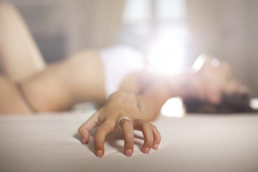 """Три хороскопски знаци со кои сексуалниот однос прави """"огномет"""" од емоции"""