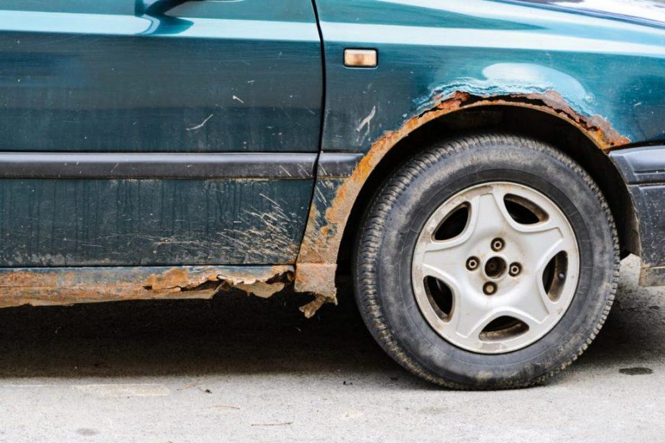 На што треба да внимавате за да не се оштети бојата на вашиот автомобил?