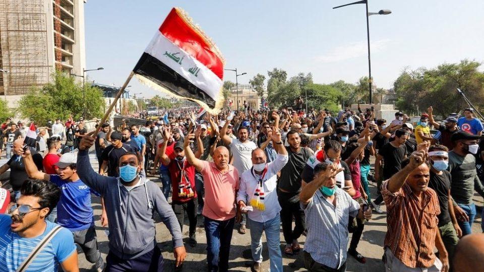 Уште тројца демонстранти убиени во судирите со безбедносните сили во Багдад