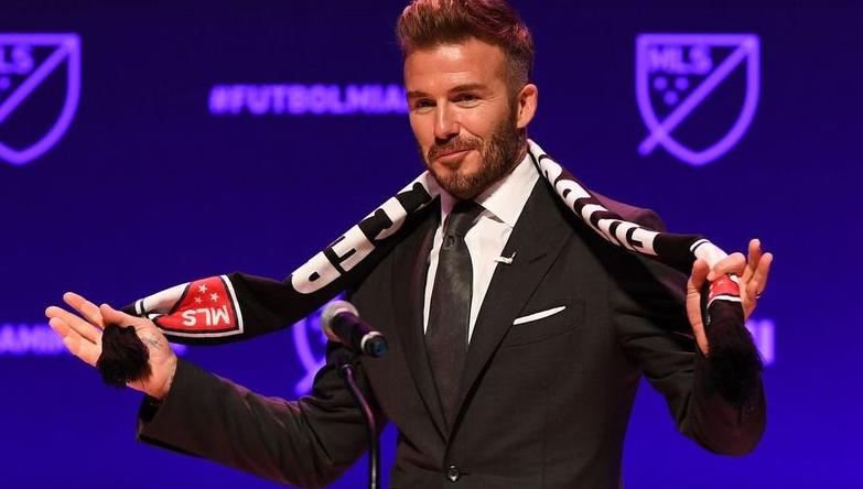 И некогашните ѕвезди на Јунајтед против Супер лигата – Бекам и Кантона бараат ставовите на навивачите да бидат земени во предвид