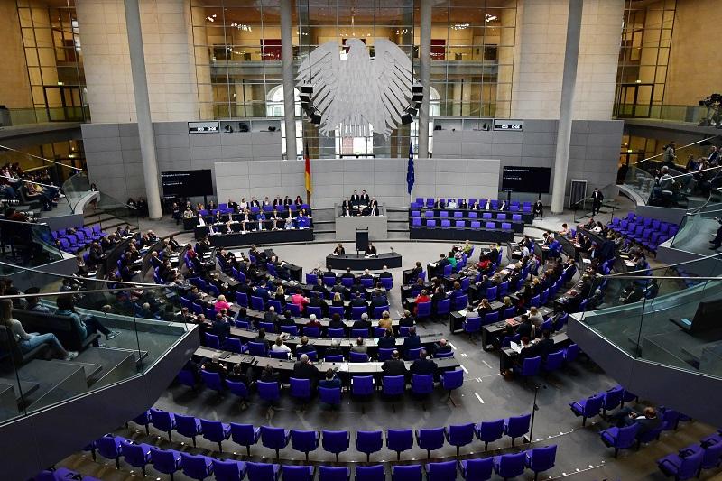 Бундестагот го намали ДДВ на влошки и тампони: Менструацијата не е луксуз