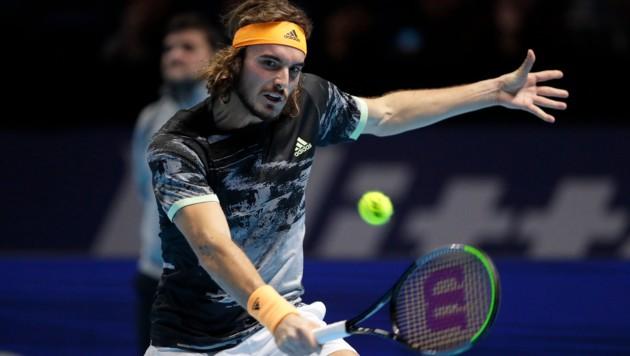 Циципас го совлада Зверев за полуфинале во Лондон