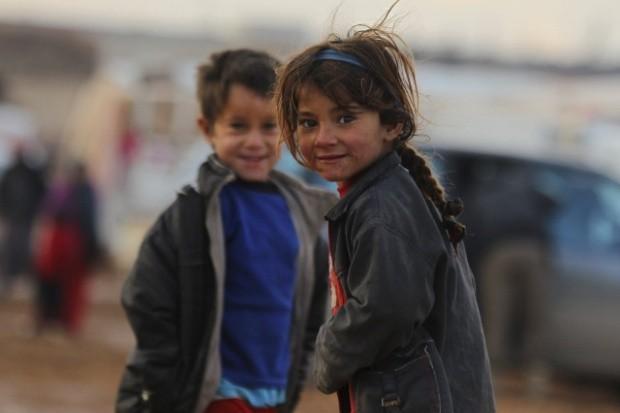 ХРВ: Грција да ги ослободи децата мигранти без придружба