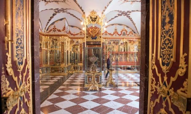 ФОТО: Ограбен музеј во Дрезден, украден накит од над милијарда евра