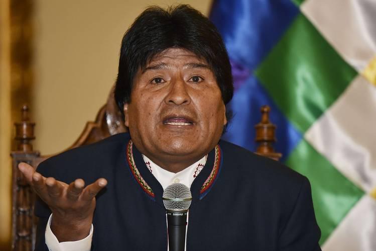 Поранешниот боливиски претседател Ево Моралес се врати во земјата