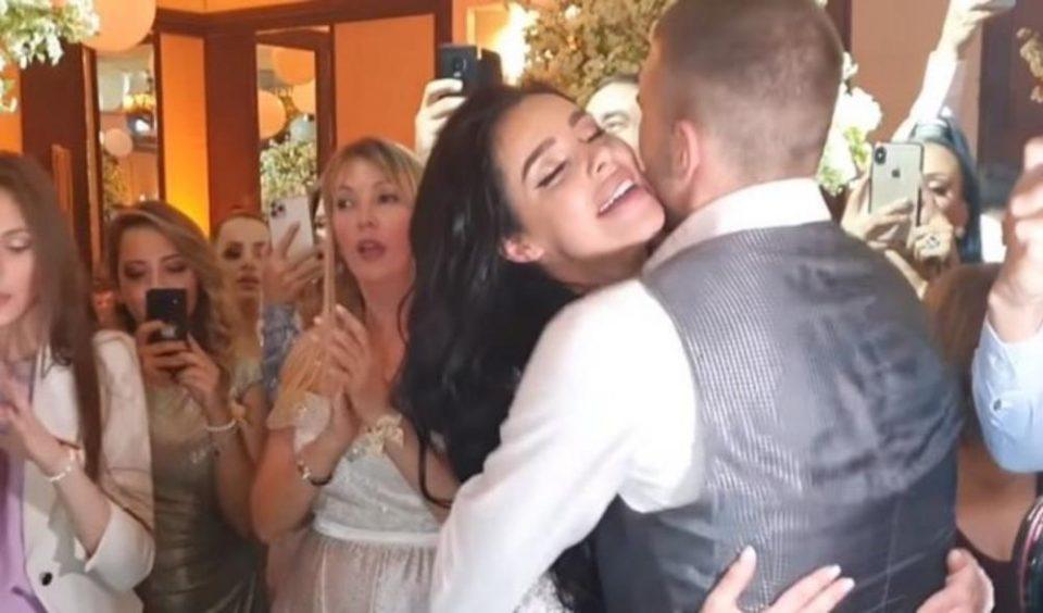 Ражнатовиќ ги отворија свадбените подароци: Кога ги преброија парите – шок!