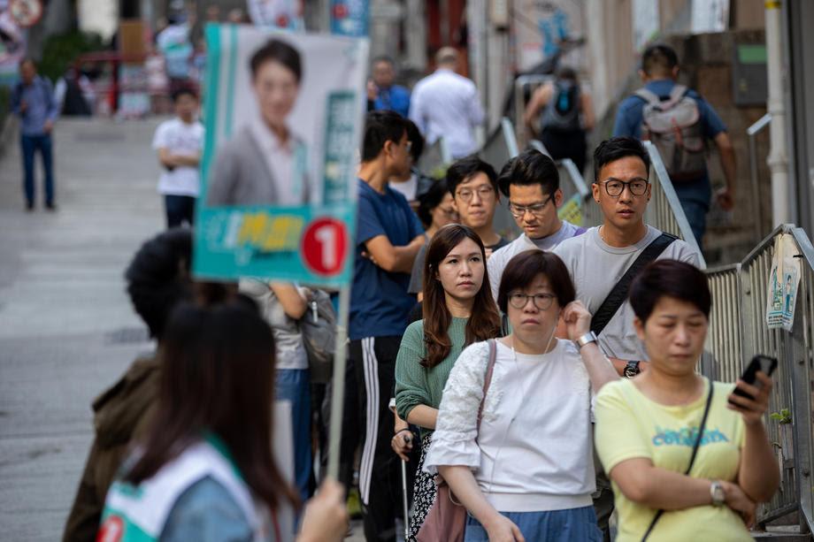 Рекорден одзив на локалните избори во Хонг Конг