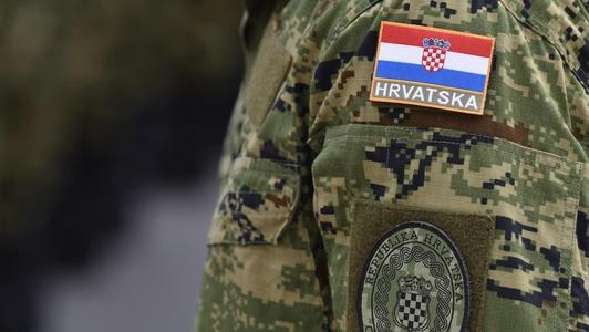 Скандал во хрватската армија: Пилоти превезувале шверцер со оружје