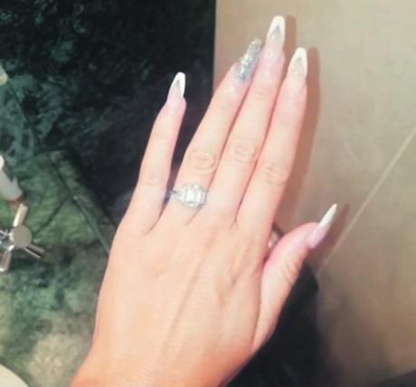 Сораја доби прстен од 150.000 евра