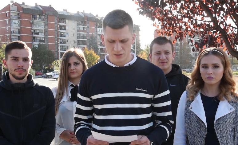 УМС на ВМРО-ДПМНЕ постави десет куќички за улични кучиња