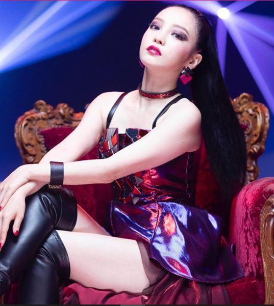 Уште една поп-ѕвезда пронајдена мртва во својот дом