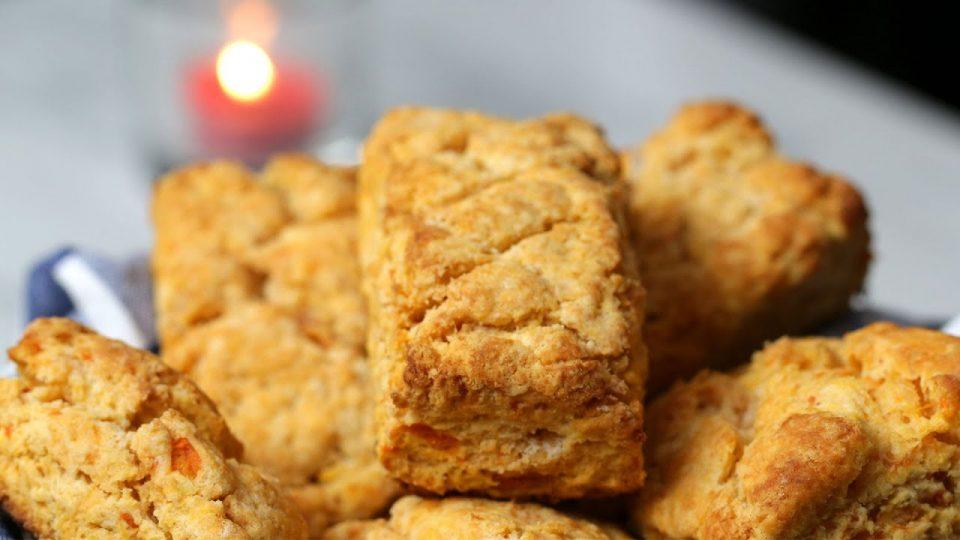 Домашни бисквити од сладок компир и путер со мед