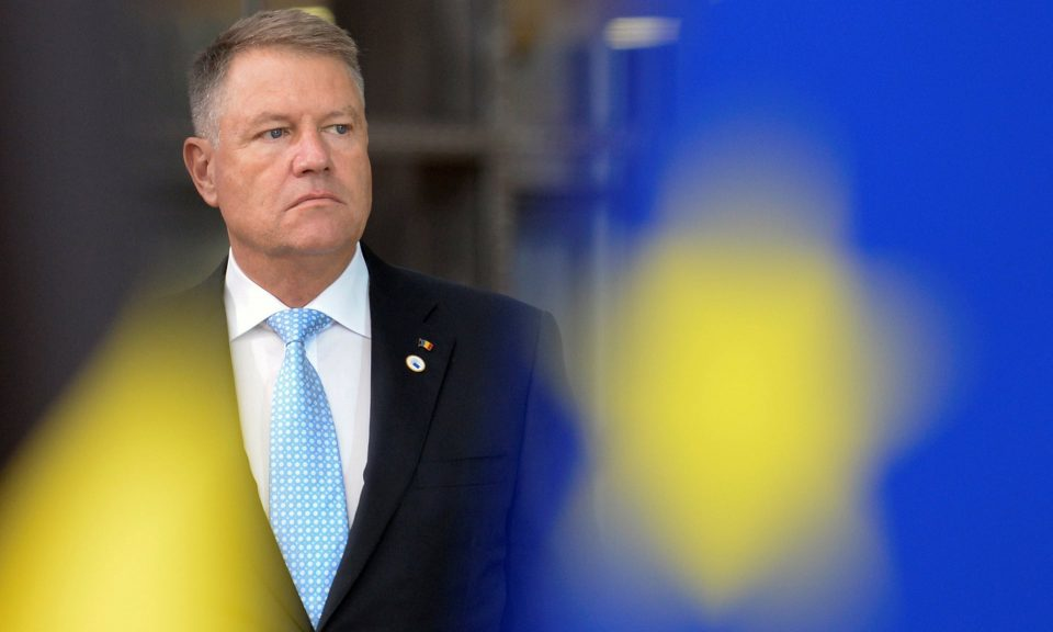 Јоанис води во првиот круг од претседателските избори во Романија