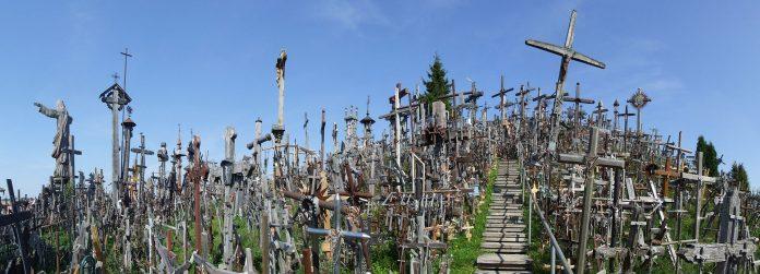 Ридот на крстовите: и по 20 години обиди да го срушнат уште е на своето место (ФОТО)