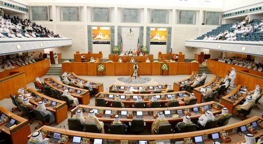 Владетелот на Кувајт го отпушти својот син од Владата