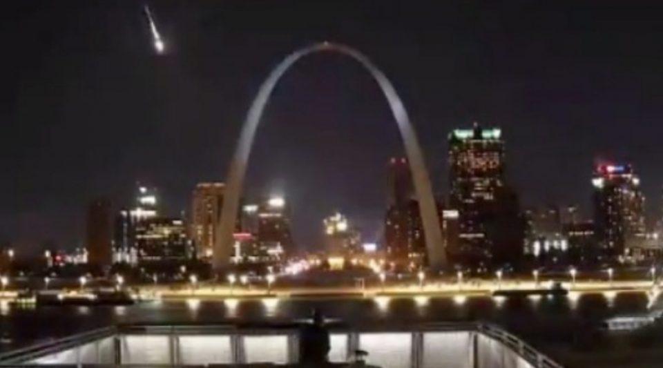 Метеор од 100 килограми го проби звучниот ѕид над САД