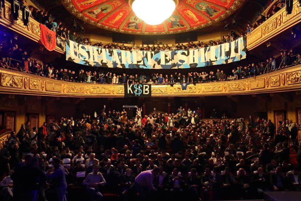 """Министерство за култура се правда дека навивачите не биле најавени, """"Шверцерите"""" информирале за настанот (ФОТО)"""