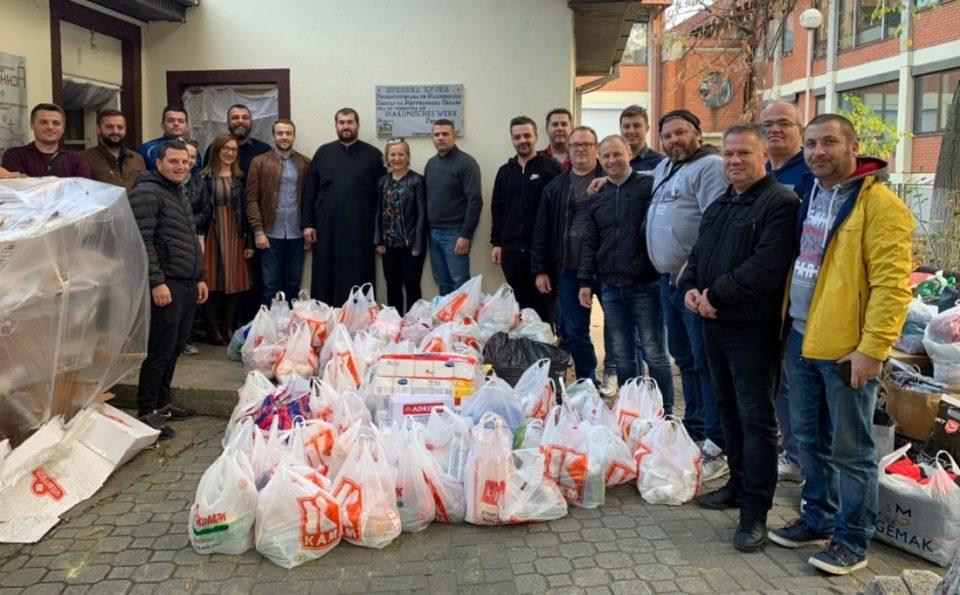 ВМРО-ДПМНЕ ОК Ѓорче Петров и потпретседателот Мисајловски донираа храна и облека во Ѓаконијата при црквата Св. Петар и Павле