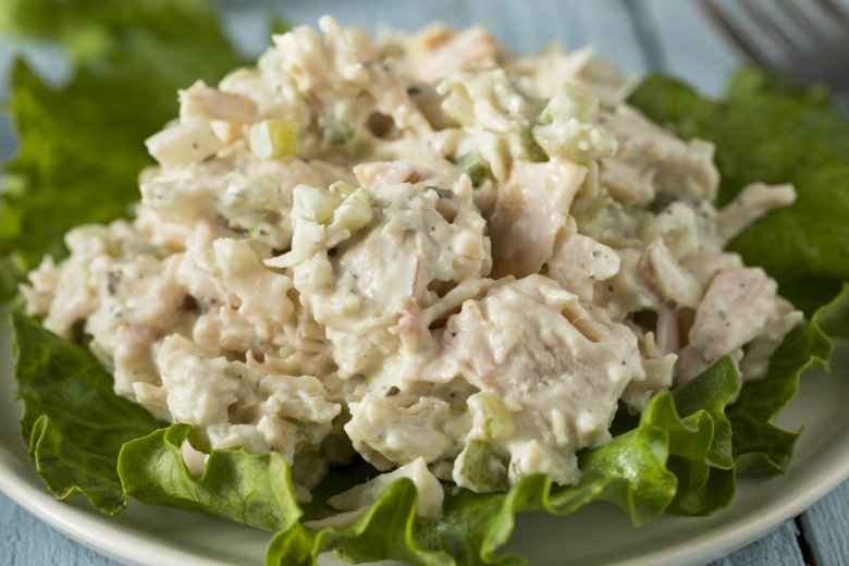 Едноставна вечера: Одличен рецепт за пилешка салата