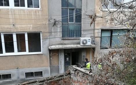 ФОТО: Полицајци во проверка на Јанева по домашниот притвор