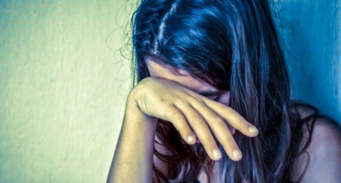 Заради скршено огледало 14-годишно девојче претрпела насилство