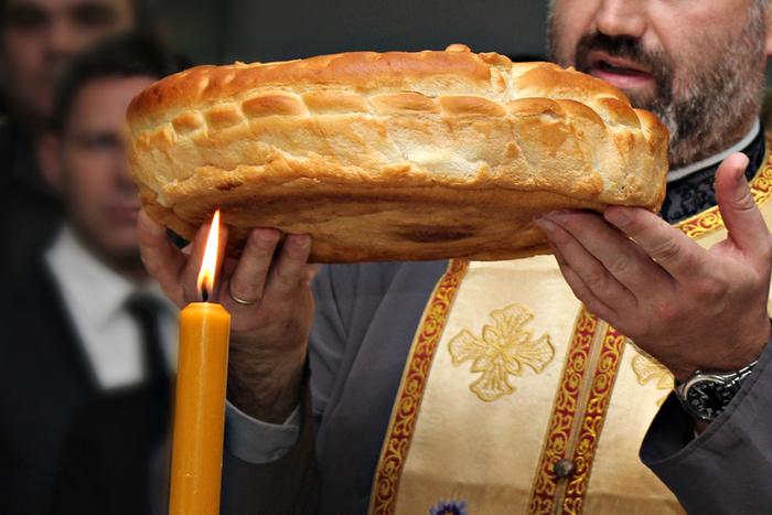 Комисија за односи со верските заедници: Домашните слави исклучиво во кругот на семејството