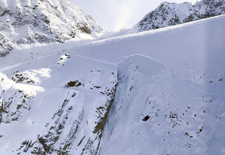 Вознемирувачко фото: Пронајдено машко тело на Шар Планина
