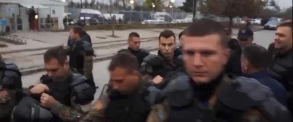 ВИДЕО: Специјалци го окупираа Ѓорче Петров, еве што се случува