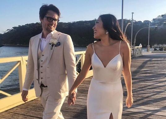 Сопственичка е на компанија која вреди 85 милиони долари, а на својата свадба носеше венчаница од само 300 долари (ФОТО)