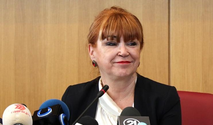 На Вилма и се може: Русковска без казна и покрај заканите кон судија, адвокати плаќаат казни и ако се насмеат