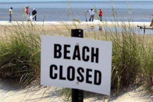 Затворени четири плажи во Мексико поради излевање нафта
