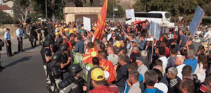 Ташковски до Димковски: Министре, зошто на протестот употребивте вооружени полицајци против земјоделците?