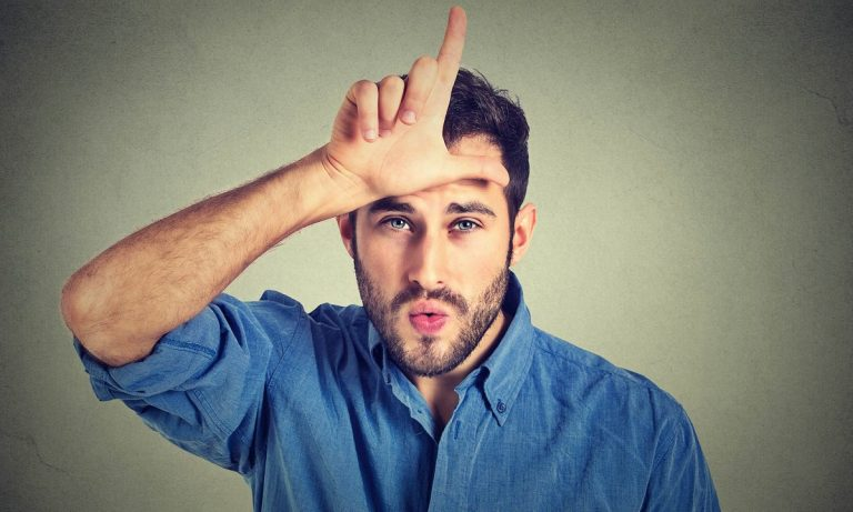 9 знаци кои покажуваат дека се состанувате со губитник